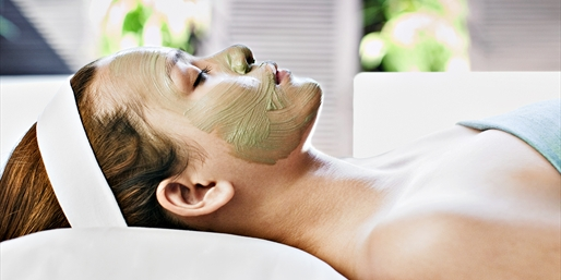 Queen Anne Spa: Save 50% on Facial & Herbal Wrap