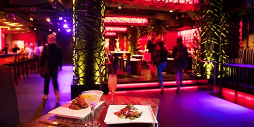 $25 -- 'Glamorous' Infusion Lounge: Drinks & Apps for 2