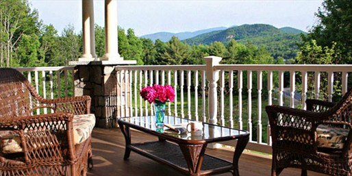 $179 -- White Mountains 4-Star Escape w/Dinner, Reg. $354