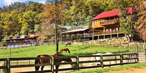 Travelzoo Deal: $419 -- Smoky Mountains: 3-Nt. Dude Ranch Getaway, 50% Off
