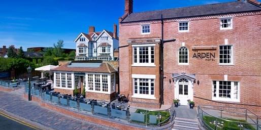 £159 -- Stratford-upon-Avon Stay w/Meals & Upgrade