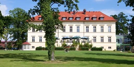 69 € -- 4,5*-Schlosshotel am See mit Frühstück, -47%