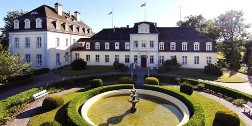 109 € -- Seenplatte: Schlosstage mit Vier-Gang-Menü, -42%