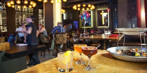 $35 -- Onyx Lounge: Dinner w/Cocktails Downtown, Reg. $75