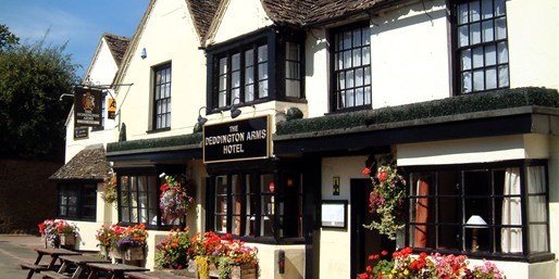 £99pp -- Historic Oxfordshire 2-Nt Stay w/Dinner & Tickets