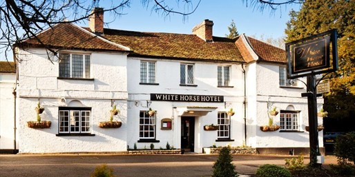 £89 -- Georgian Hertfordshire Inn w/Meals & Wine, Save 45%