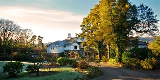 £139 -- Lake District Hotel w/Meals, Cream Tea & Prosecco