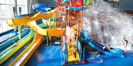 $25 -- Fallsview Indoor Water Park Pass, Mini Golf & Rides
