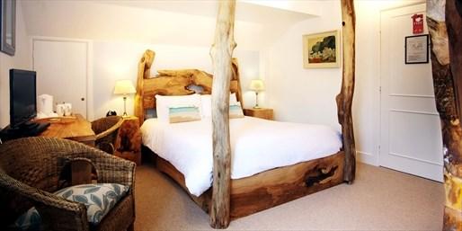 £79 -- 'Perfect' New Forest Cottage Escape inc Treats