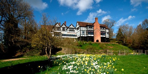 £99 -- Welsh Country Manor Stay inc Dinner, 50% Off