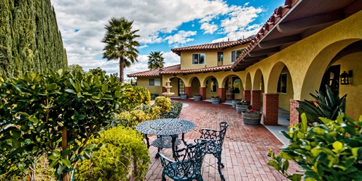 $295 -- Temecula: 2 Nts. at Romantic Inn through August