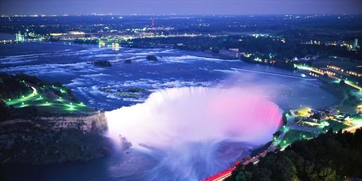 $59 -- Niagara Falls Hotel w/Dining & Tastings, Reg. $163