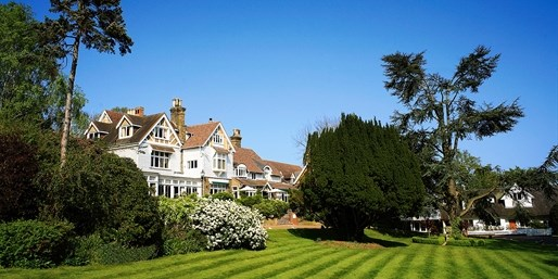 £169 -- Kent 'Striking' Hotel Stay w/Meals, Save 54%