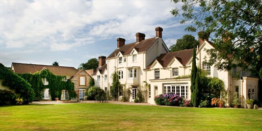 £149 -- Hampshire Manor Hotel w/7-Course Tasting menu