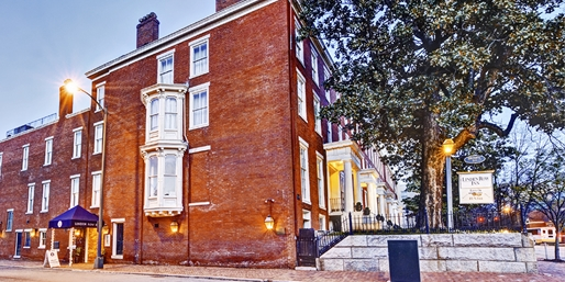Travelzoo Deal: $89 -- Charming Richmond Inn w/Breakfast & Parking, 55% Off