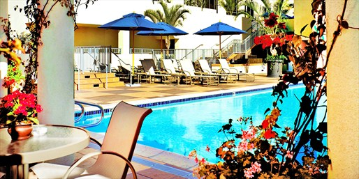 60% Off Santa Monica Spa Day w/Pool & Bubbly