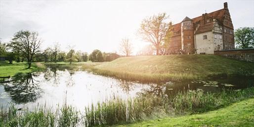 79 € -- Schlosstage am Mecklenburger See & Menü, 53% sparen
