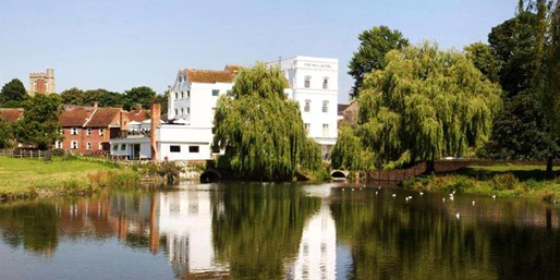 £99 -- Suffolk Escape w/Dinner & Afternoon Tea, 46% Off