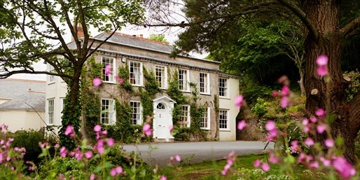 £129 -- 'Gorgeous' Cornish Coast Escape inc Meals, Was £265
