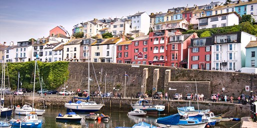 £89 -- Devon Harbourside Stay w/Dinner, Reg £160+