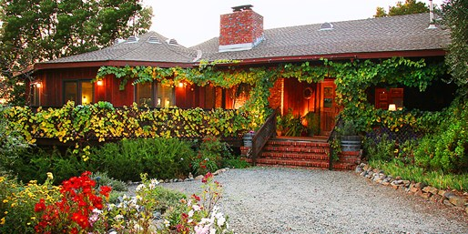 Travelzoo Deal: $139 -- Sonoma: Charming Cloverdale B&B w/Tastings