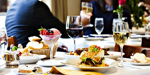$55 -- National Press Club: Dinner for 2 w/Bubbly, Reg. $94