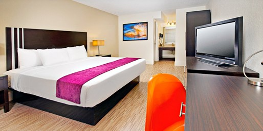 £45 & up -- Newly Renovated Orlando Resort, Save up to 35%