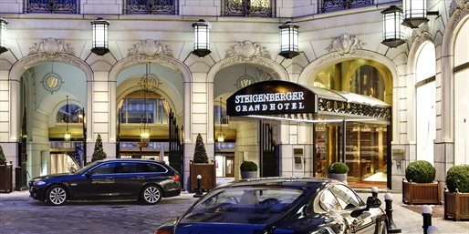 £119 -- Brussels: 'Elegant' 5-Star Stay w/Chocolate, 61% Off