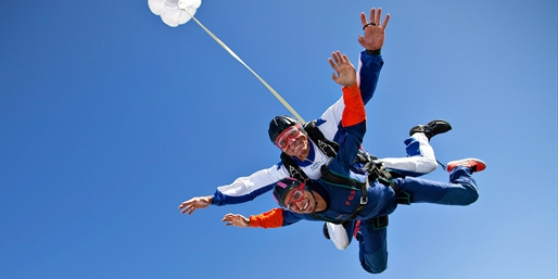 $99 -- Tandem Skydive from 9K Feet above NorCal, Save $100