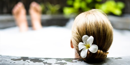 $155 & up -- Calistoga Spa Day for 2 w/Mud or Mineral Baths