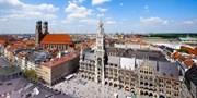 9 € -- Hop-on Hop-off Stadtrundfahrt in München, -55%