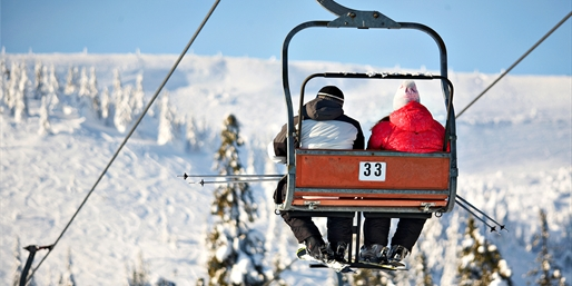 $30 -- Downhill Skiing 1 Hour from Toronto, Half Off