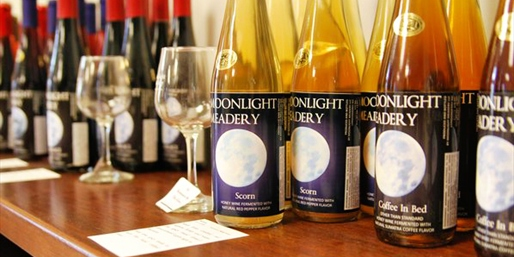 $25 -- Moonlight Meadery: Tour & Honey Wine Tastings for 2