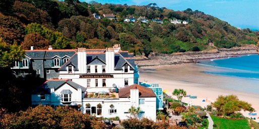 £129 -- 'Fabulous' Cornwall Stay w/Dinner & Extras, 46% Off