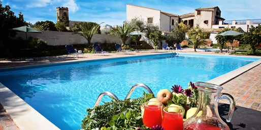 £39 -- Sicilian Farmhouse Stay for 2, Save up to 37%