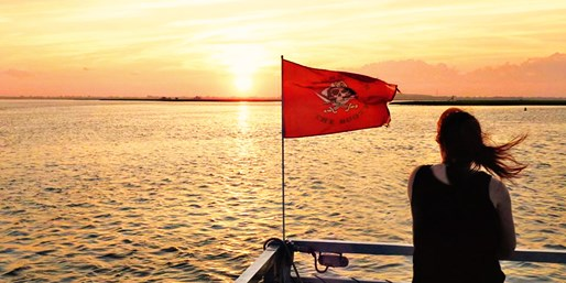 $19 -- Member-Fave South Shore Cruise for 2 thru Summer