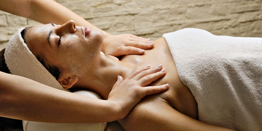 $40 -- Alameda: 60-Minute Signature Facial, Reg. $75