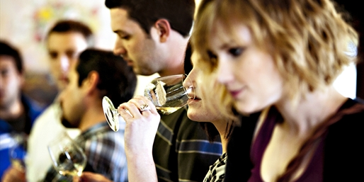 $59 -- Niagara Culinary Wine Tour w/Tastings, Reg. $130