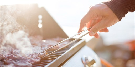 $59 -- BBQ Grilling & Smoking Class w/Dinner, 50% Off