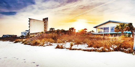 Travelzoo Deal: $179 -- S.C.: Pawleys Island 2-Night Spring Escape, 50% Off