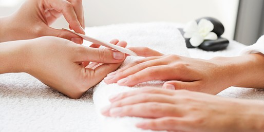 $35 -- La Jolla: Blowout, Gel Mani & Bellini, Reg. $75
