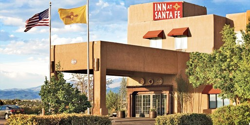 $139 -- Santa Fe Inn: 2 Nights w/$25 Dining Credit & Wine