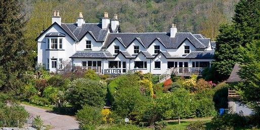 £79 -- Scottish Lochside Break w/Meals & Cream Tea, Save 47%