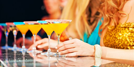 $29 -- Hard Rock Hotel: 6 Cocktails at Luxe Bar, Reg. $66