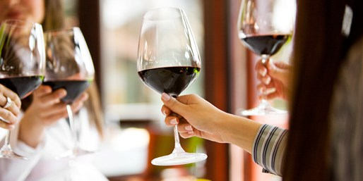 $29 -- Orange Coast Winery Tasting for 2 w/Apps, Save $45