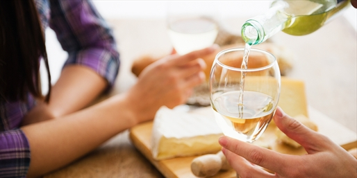 $20 -- Dry Creek Valley Wine Flights w/Cheese for 2, 40% Off