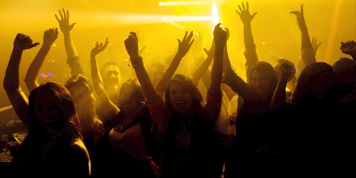 $39 -- South Beach: VIP Nightclub Tour w/Apps, Reg. $90
