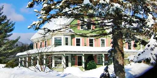 Travelzoo Deal: $279 -- New Hampshire 2-Nt. Romantic Suite Escape, Reg. $548