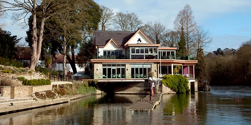 £39 -- Berkshire Riverside Dinner inc Drinks for 2, Reg £91