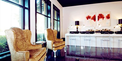 $29 -- Luxe Mani/Pedi at Chic New North Lamar Spa, Reg. $45